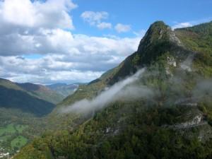 Spirituele vakantie Frankrijk Vicdessos vallei gezien van Mont-Real-de-Sos Frankrijk