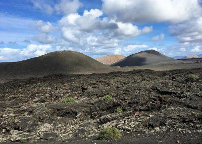 17-bergen-met-lava-spirituele-vakantie-lanzarote-canarische-eilanden