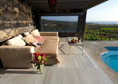 chill-out-longe-by-pool-casa-volcan-lanzarote-cvdvi