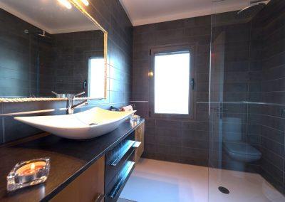 shower-room-2-casa-volcan-lanzarote-cvdvi