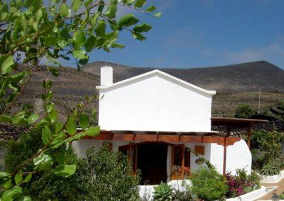 10 DEVINUS spirituele reis Lanzarote Amatista