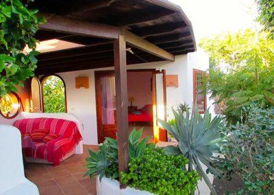 24 DEVINUS spirituele reis Lanzarote Amatista