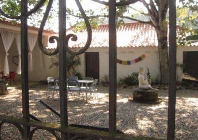 courtyard 1 DEVINUS spirituele reis Portugal