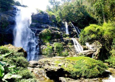 DEVINUS spirituelereis Thailand cascade-chiang-mai-doi-inthanon-130155