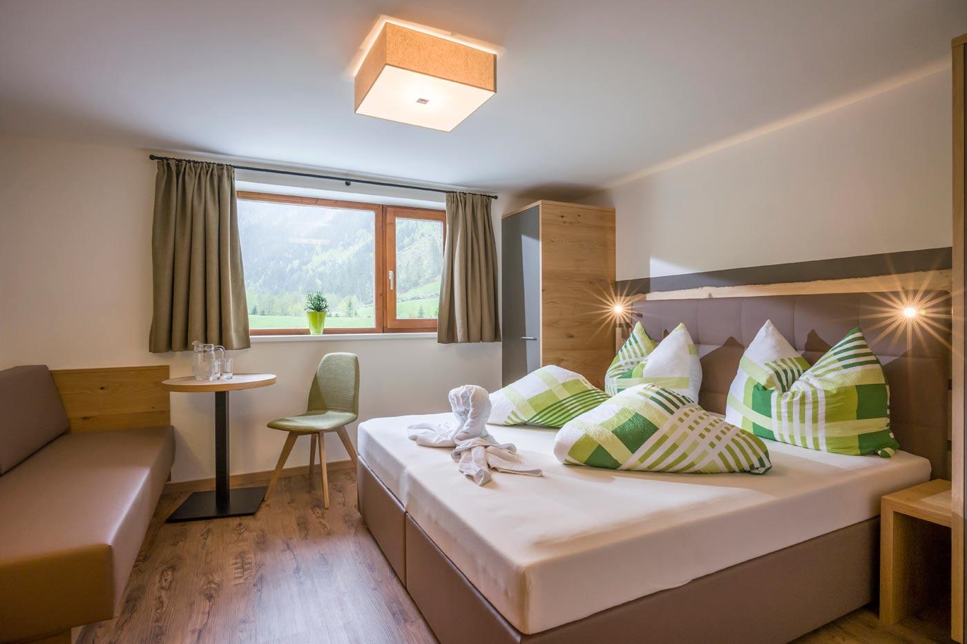 Slaapkamer voorbeeld Stillupperhaus DEVINUS natuurreis Oostenrijk